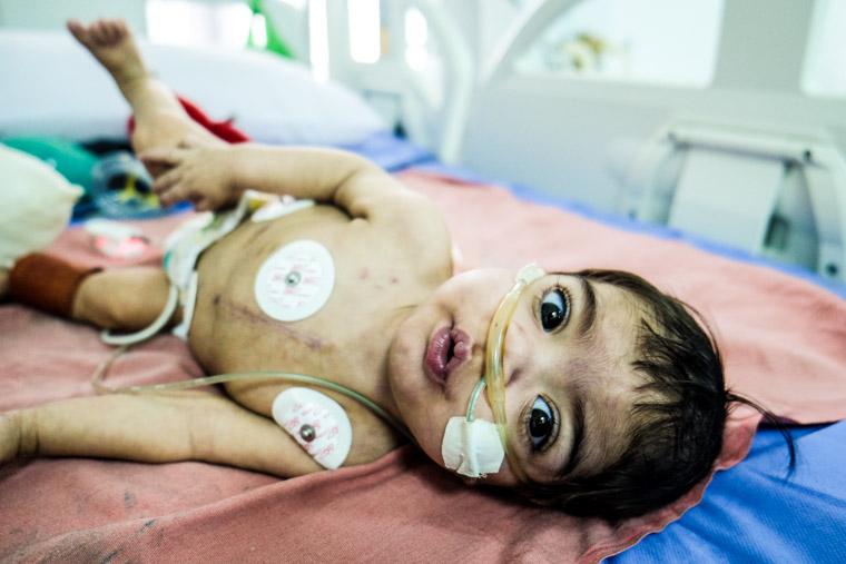 A photo of Zahraa in the ICU in Nasiriyah