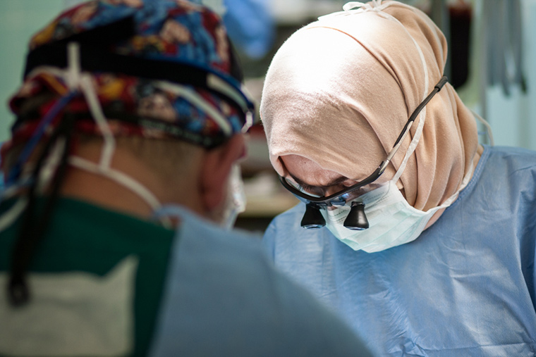 Dr Wejdan performs a complicated pediatric heart surgery under the guidance of Dr. William Novick.